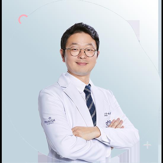 https://cdn.minishteeth.com/wp-content/uploads/2021/07/05143111/doctor-lee-sang-jil-03.png