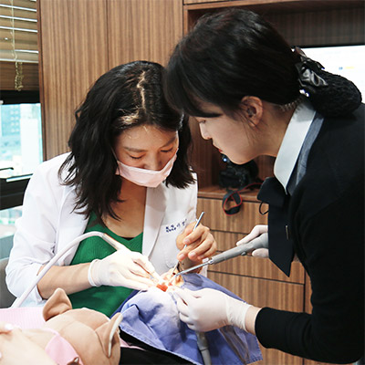 https://cdn.minishteeth.com/wp-content/uploads/2021/08/30010111/procedures-cavities-one-day-4.jpg