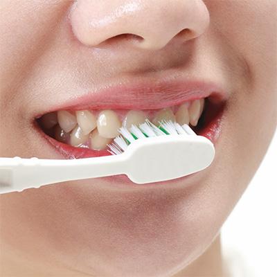 https://cdn.minishteeth.com/wp-content/uploads/2021/09/01114019/tooth-whitening-home-bleaching-3.jpg